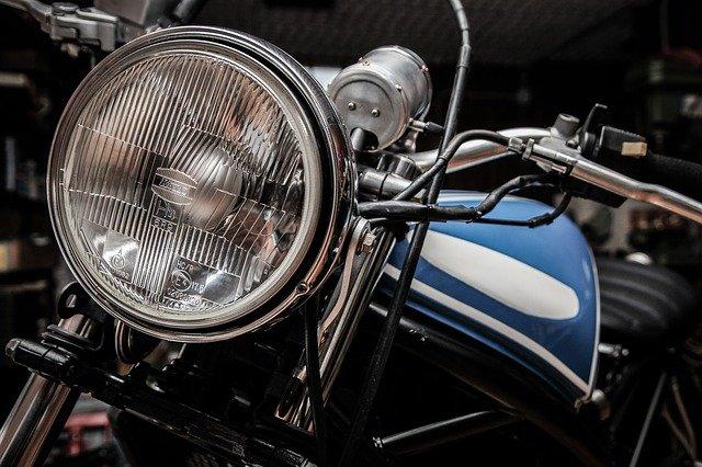 světlo motorky