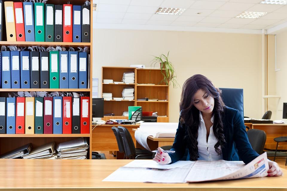 podnikateľka, kancelária